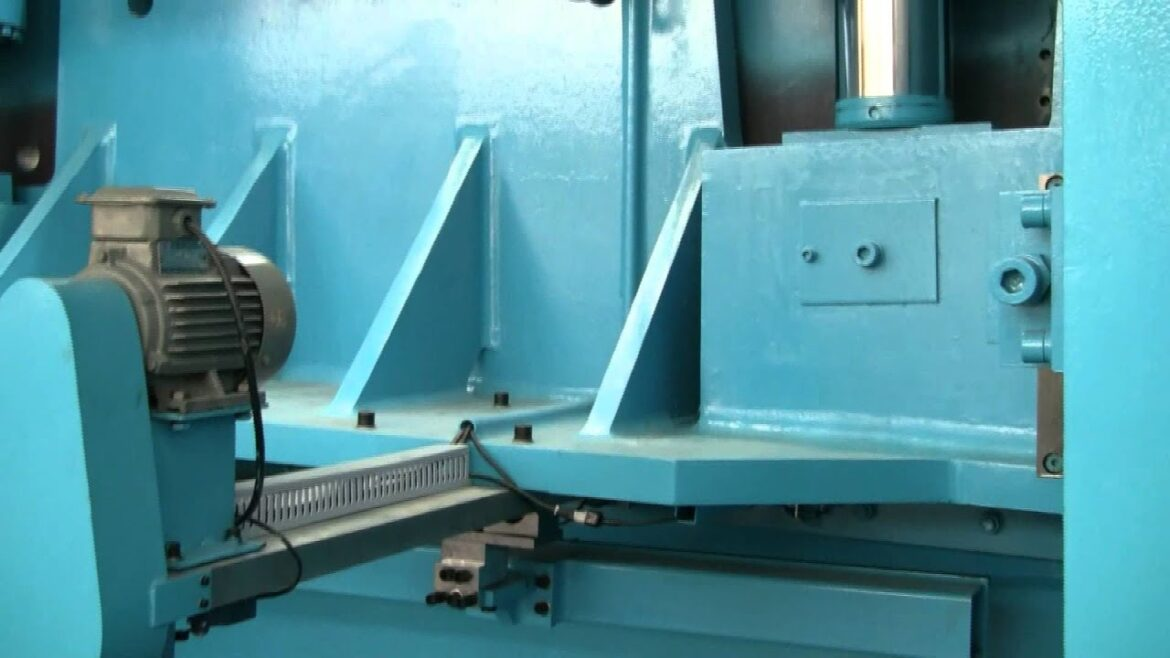 """Canadian Government Publishes Bid Request for """"Programmable Hydraulic Guillotines"""" Needed """"in Support of Canada's Response to COVID-19"""""""